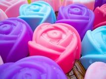 Прессформы выпечки силикона, красочные цветки Красочный силикона mo Стоковое Изображение RF