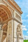 Прессформы и украшения на Триумфальной Арке в Париже франк Стоковые Фотографии RF