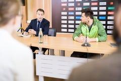 Пресс-конференция на полной скорости стоковая фотография