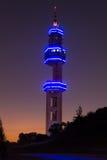 Претория Tshwane, Южная Африка - 3-ье апреля 2016 Башня ориентир ориентира радиосвязей Telkom Lukasrand после захода солнца Стоковые Фотографии RF
