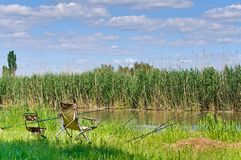 предводительствует штанги реки рыболовства палубы Стоковые Фотографии RF