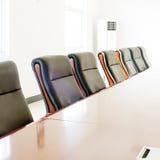 предводительствует таблицу конференц-зала конференции Стоковое Фото