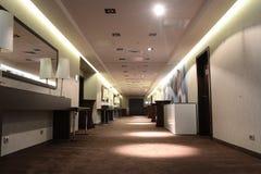 предводительствует whit таблицы соф лобби гостиницы стоковое изображение rf