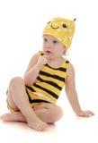Прелестная маленькая девочка в костюме пчелы Стоковое Фото