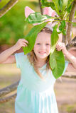 Прелестная маленькая девочка на каникулах пасхи Стоковое Изображение