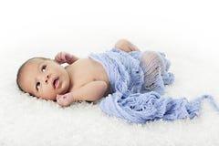 Прелестное Biracial Newborn стоковые изображения