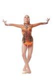 Прелестный художнический гимнаст представляя в грациозно представлении Стоковые Изображения RF