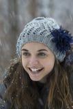 Предназначенная для подростков девушка в снеге Стоковые Фото