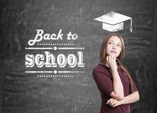Предназначенная для подростков девушка с оплеткой назад к школе Стоковые Фото