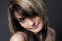 предназначенное для подростков усмешки девушки сладостное Стоковое Изображение