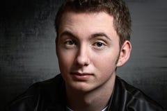 Предназначенный для подростков портрет grunge мальчика Стоковое Изображение RF
