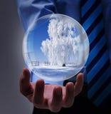 Предложение зимних отдыхов в руках бизнесмена Стоковое Изображение RF