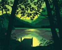 Предпосылка ландшафта с деревянной пристанью около озера, лес Стоковая Фотография