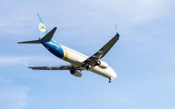Предпосылка Боинга 737 приземляясь Стоковая Фотография