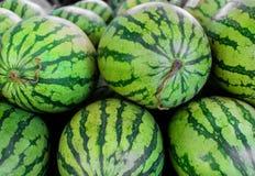 Предпосылка больших сладостных зеленых арбузов Стоковые Изображения