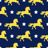 Предпосылка вектора безшовная лошадей и звезд Красивый, добросердечный, картина сказки для комплексного конструирования, интернет Стоковое фото RF