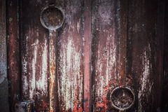 Предпосылка двери низкого основного освещения старая, старый свет двери и тень Стоковое Изображение RF