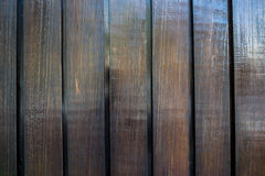 предпосылка всходя на борт древесины коричневой части крытой Стоковое Фото