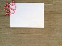Предпосылка влюбленности и чистого листа бумаги Стоковые Изображения RF