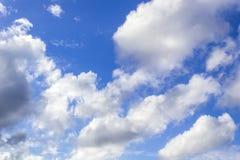 Предпосылка голубого неба и облака Стоковая Фотография