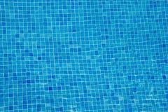 Предпосылка голубой плитки Aqua подводная Стоковое фото RF