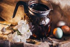Предпосылка дерюги черного чая стоковые фото