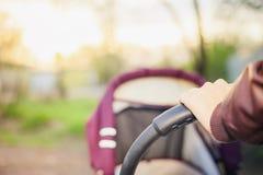 Предпосылка детской дорожной коляски на внешнем Стоковые Фотографии RF
