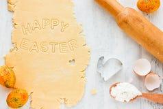 Предпосылка еды пасхи: ингридиенты для варить печенья праздника Стоковые Фотографии RF