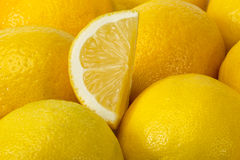 Предпосылка желтых зрелых лимонов. Стоковое Изображение RF
