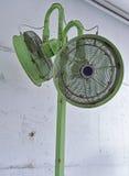 Предпосылка зеленых вентиляторов воздуха Стоковая Фотография RF