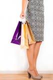 предпосылка изолированная над женщиной покупкы белой Стоковые Фотографии RF