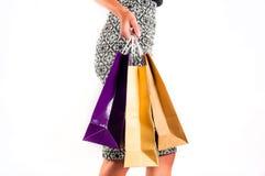 предпосылка изолированная над женщиной покупкы белой Стоковое Фото