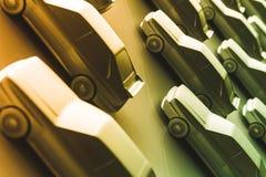 Предпосылка и текстура идентичных автомобилей выровнялись вверх на равнопромежуточном Стоковое Изображение RF