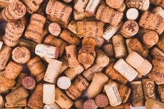 Предпосылка картины крупного плана много различных пробочек вина Стоковое Изображение RF
