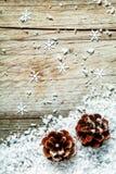 Предпосылка конуса сосны рождества или пришествия Стоковые Фотографии RF