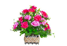 Предпосылка корзины красная и розовая букета розы изолята белизны Стоковое фото RF