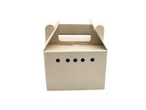 предпосылка кладет белизну в коробку картона стоковые фото