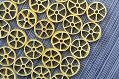 Предпосылка макаронных изделий колеса телеги Стоковое Фото