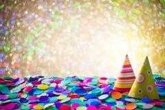 Предпосылка масленицы с confetti стоковое изображение