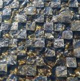 Предпосылка мозаики кирпича под проточной водой Стоковое Изображение