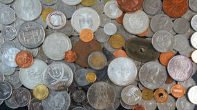 Предпосылка монеток от различных стран мира Стоковые Изображения RF
