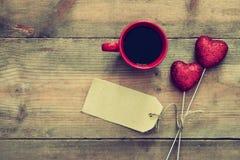 Предпосылка дня Валентайн Пары красных сердец яркого блеска Стоковые Изображения