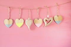 Предпосылка дня Валентайн Сердца на деревянной предпосылке Стоковые Фотографии RF