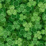 Предпосылка дня St. Patrick безшовная с shamrock. иллюстрация вектора