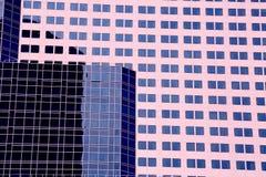 Предпосылка окон современного офисного здания внешняя Стоковая Фотография