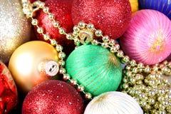 Предпосылка от пестротканых шариков рождества Стоковая Фотография