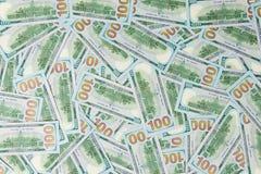 Предпосылка от разбросанных банкнот доллара как абстрактный безшовный Стоковые Фотографии RF