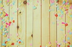 Предпосылка партии с красочным confetti Стоковое Фото