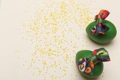 Предпосылка пасхи с зелеными яичками стоковое изображение rf