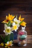 предпосылка покрасила вектор тюльпана формы пасхальныхя eps8 красный Стоковое Изображение